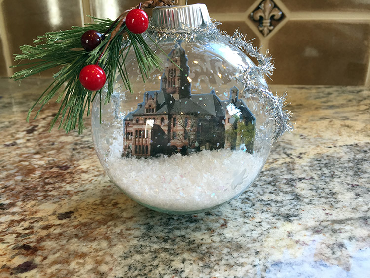 Waxahachie High School Art Department Designs Ornament For Capitol Christmas Tree The Ellis